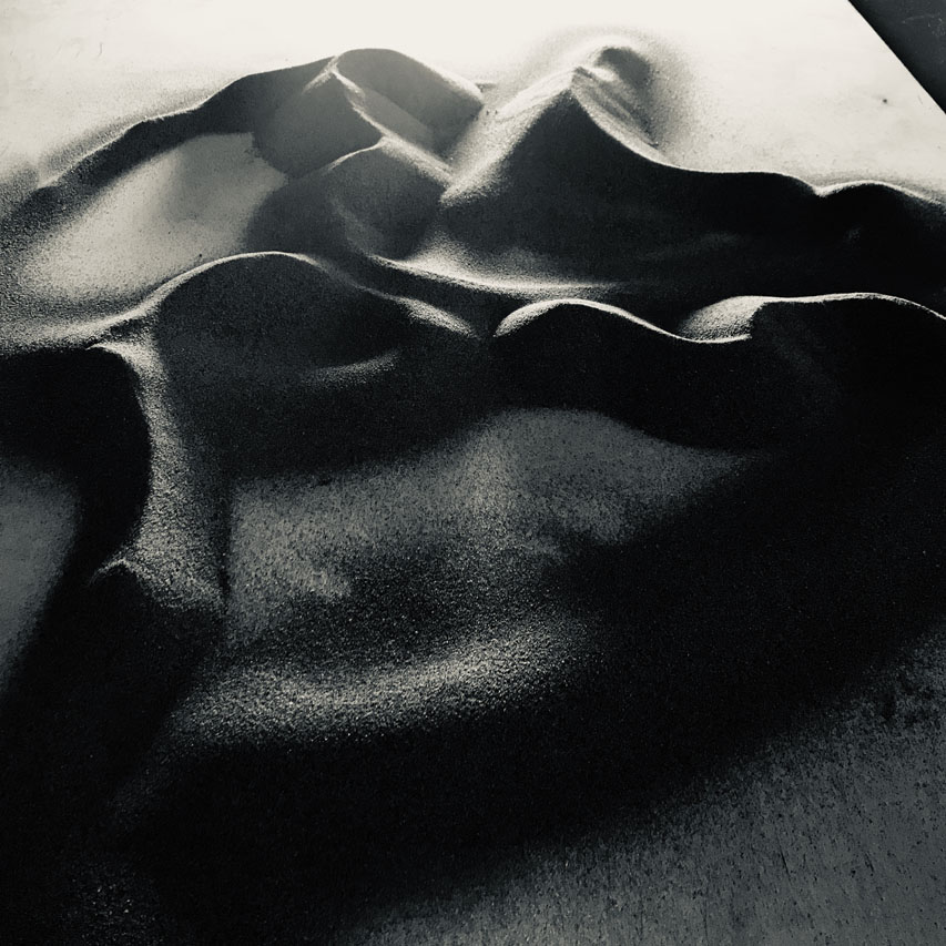 Computational drawing experiment with fans and sand at DA - Fefu, Vladivostok, 2019 by Machinic Protocols